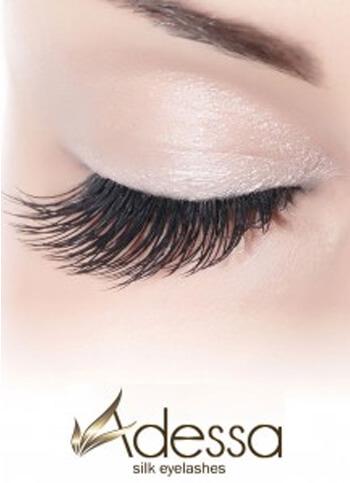 Wimpernverlängerung mit Adessa Silk Eyelashes in der Tagesfarm