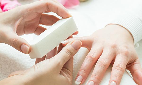 Nature Manicure classic im Kosmetikstudio München