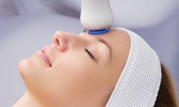 Ultraschall Behandlungen im Kosmetikstudio München